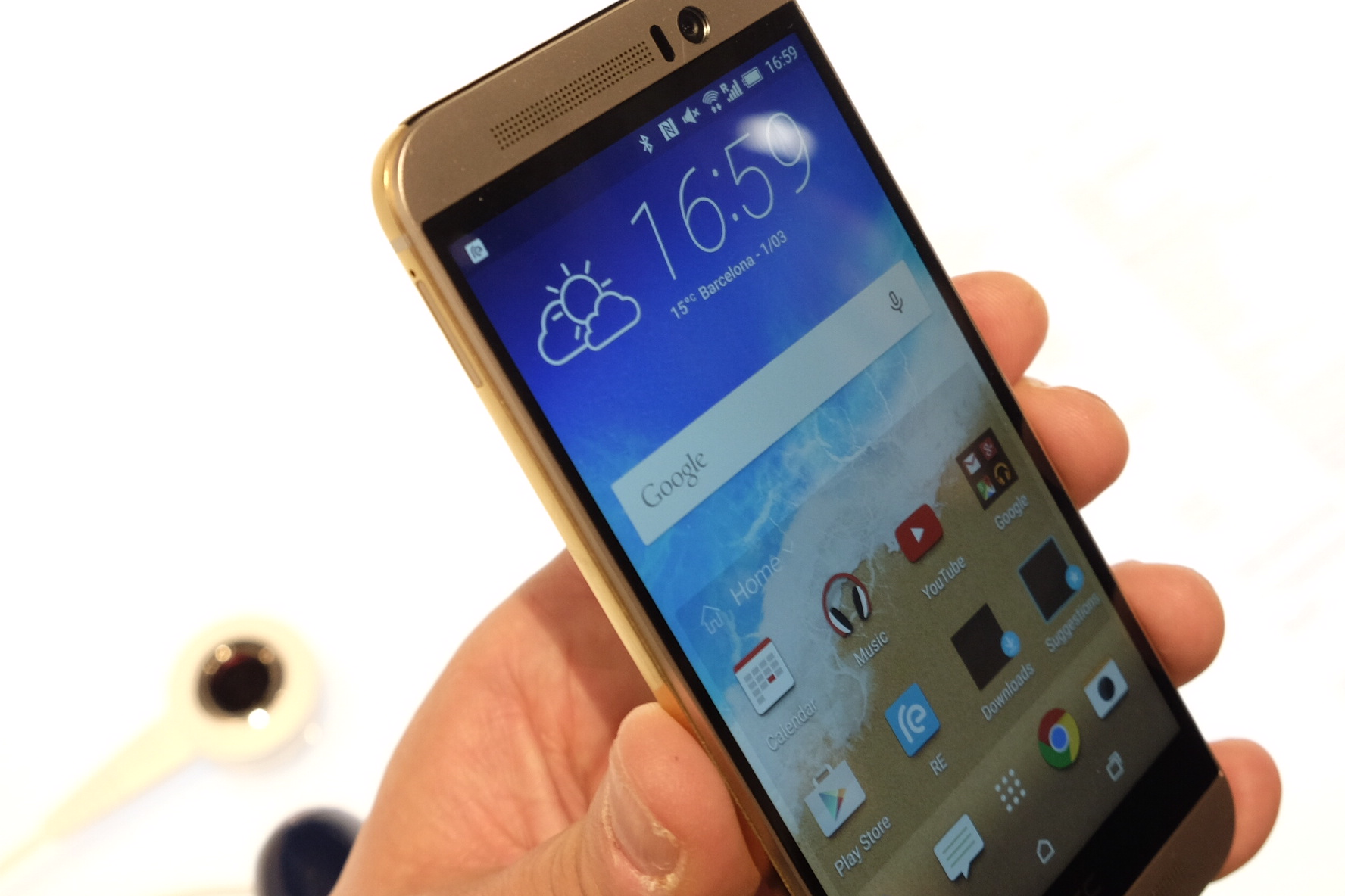 [MWC2015] Hands-on with the HTC One (M9): new boss, same ...