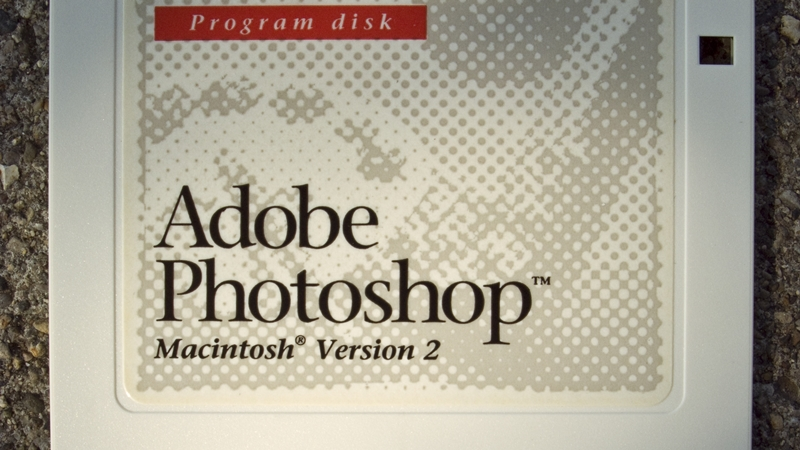 Photoshop pirates beware, Adobe is scanning for non-genuine