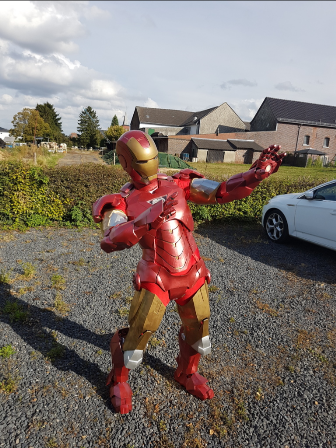 Man Cave Garage Far Cry 5 : D printed iron man suit pic htxt africa
