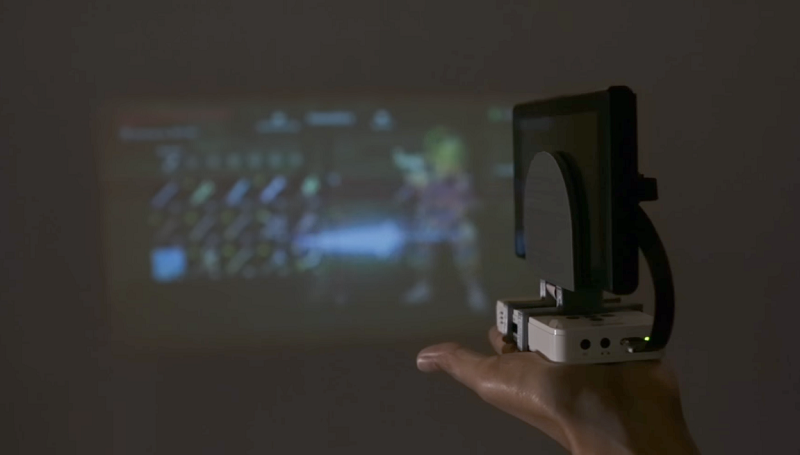 Add a portable projector to your Nintendo Switch with this mod