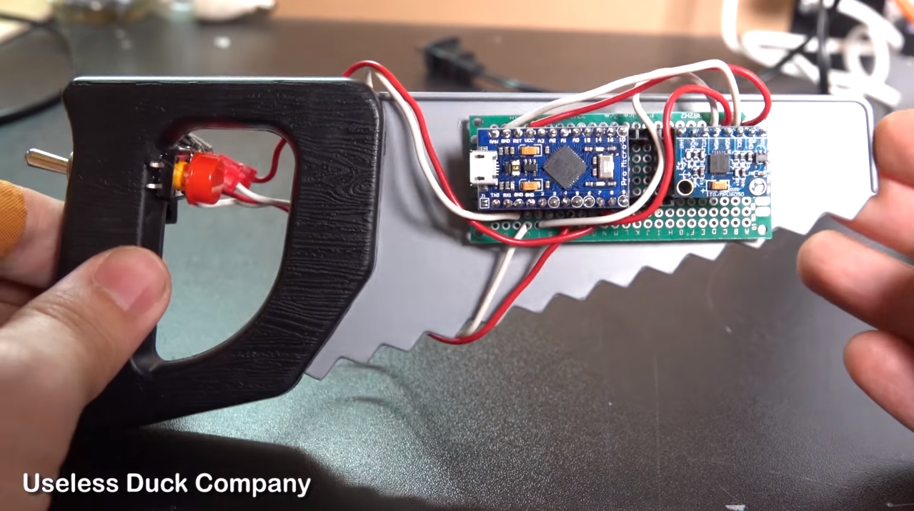 Arduino turns a plastic saw into a Fortnite controller - htxt.africa