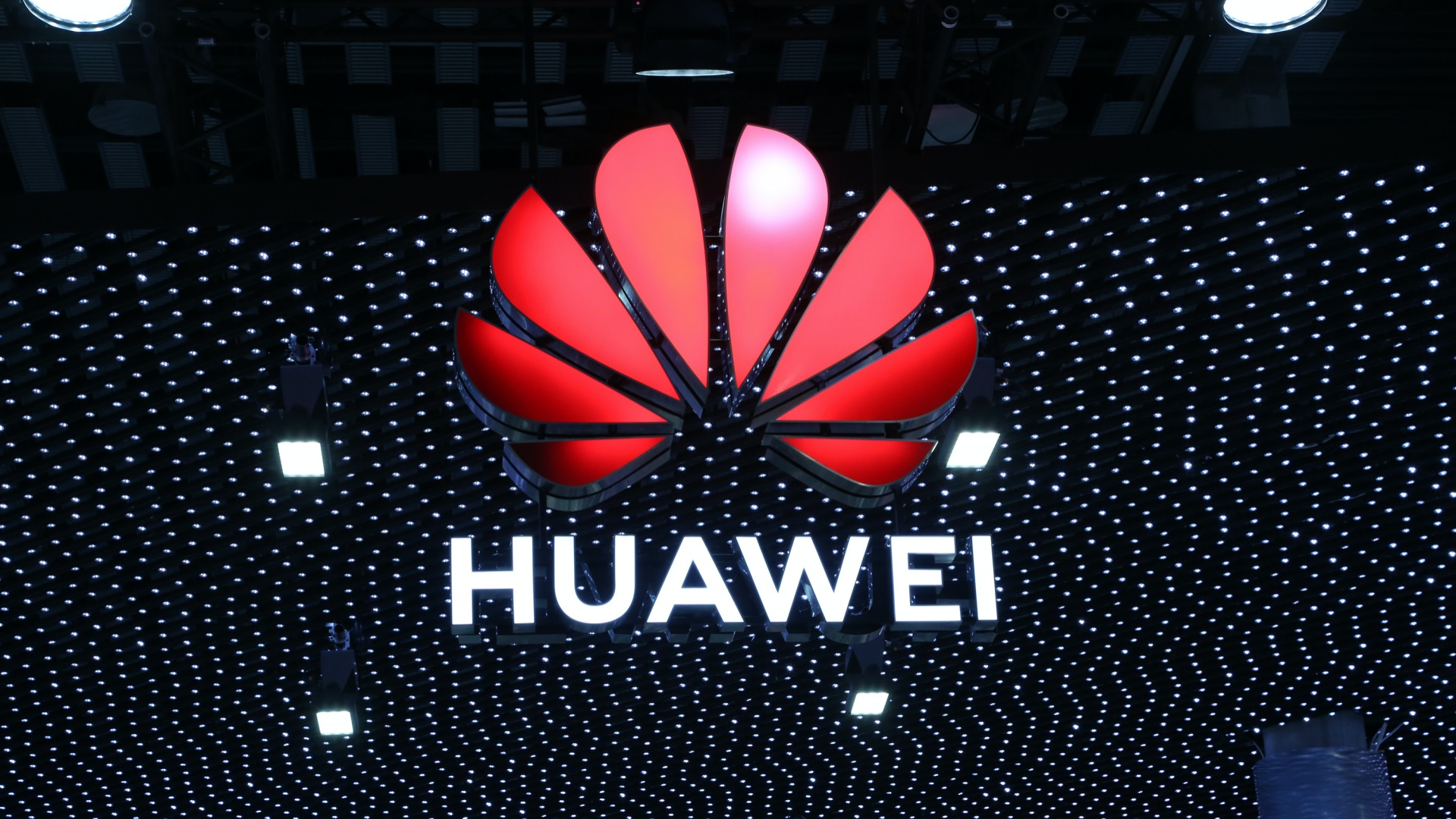 UK Reviewing Huawei Impact on its 5G Networks